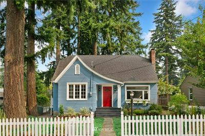 14342 INTERLAKE AVE N, Seattle, WA 98133 - Photo 1