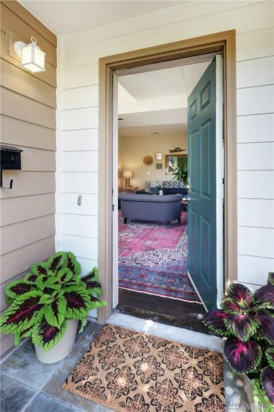 2507 SW DAKOTA ST, Seattle, WA 98106 - Photo 2