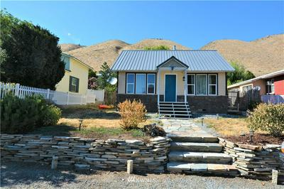 224 BEACH ST, Pateros, WA 98846 - Photo 1
