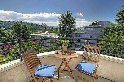 2312 W BOSTON ST APT 301, Seattle, WA 98199 - Photo 2