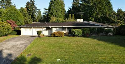 3018 HUNTS POINT CIR, Hunts Point, WA 98004 - Photo 1