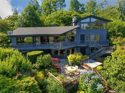 3614 W LAWTON ST, Seattle, WA 98199 - Photo 1