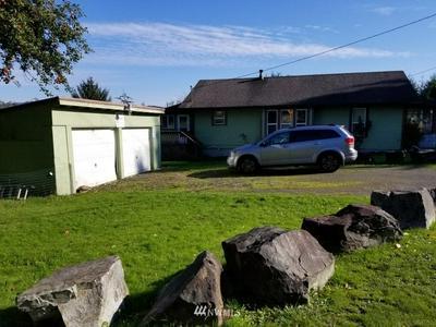 2595 WILLAPA RD, Raymond, WA 98577 - Photo 2