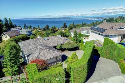 1716 EDGEMOOR LN, Everett, WA 98203 - Photo 1
