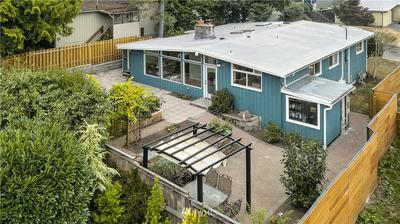 2527 NE 106TH PL, Seattle, WA 98125 - Photo 2