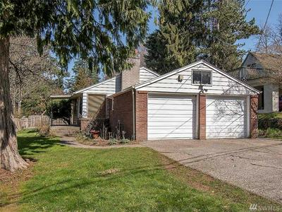 2624 NE 100TH ST, Seattle, WA 98125 - Photo 1