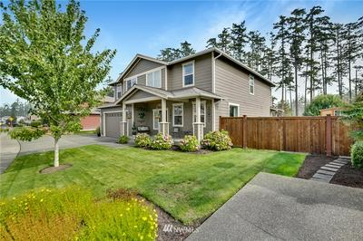 2722 SW FAIRWAY POINT DR, Oak Harbor, WA 98277 - Photo 2