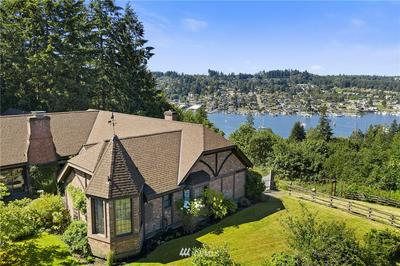 8827 CRESCENT VALLEY DR NW, Gig Harbor, WA 98332 - Photo 2