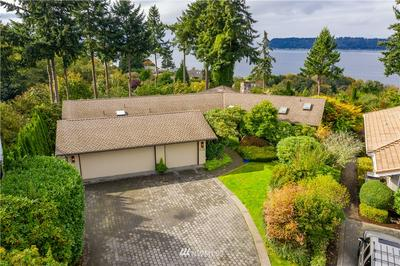 5738 SUNSET LN, Mukilteo, WA 98275 - Photo 2