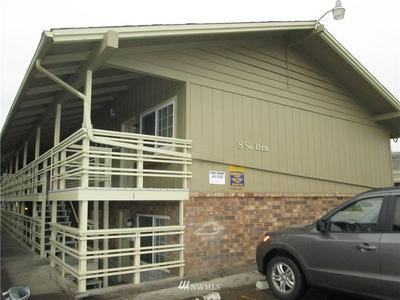 8 S 11TH AVE, Yakima, WA 98902 - Photo 2