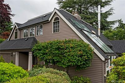 10642 DURLAND AVE NE, Seattle, WA 98125 - Photo 2