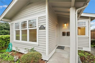 725 N 74TH ST, Seattle, WA 98103 - Photo 2