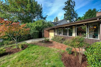 2148 N 115TH ST, Seattle, WA 98133 - Photo 2