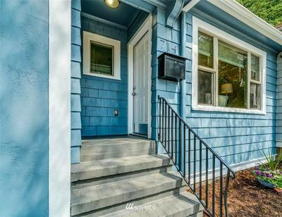 714 NE 40TH ST, Seattle, WA 98105 - Photo 2