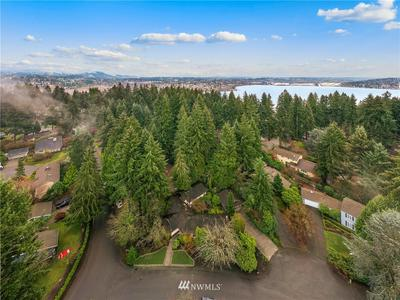 7875 85TH PL SE, Mercer Island, WA 98040 - Photo 2