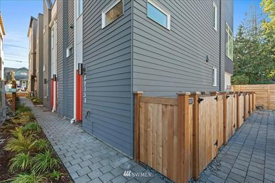 6915A CARLETON AVE S, Seattle, WA 98108 - Photo 2