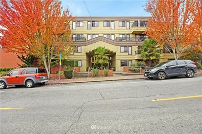 3401 WALLINGFORD AVE N APT 304, Seattle, WA 98103 - Photo 1