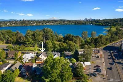 7223 W GREEN LAKE DR N, Seattle, WA 98103 - Photo 2