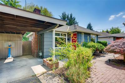 6824 37TH AVE NE, Seattle, WA 98115 - Photo 2
