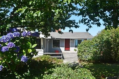 402 1ST ST, Langley, WA 98260 - Photo 2