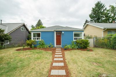 10709 INTERLAKE AVE N, Seattle, WA 98133 - Photo 2