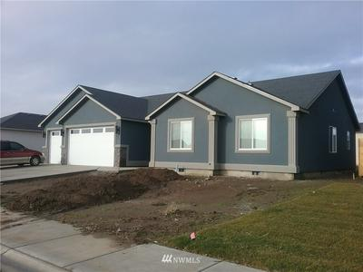 407 R ST SW, Quincy, WA 98848 - Photo 1
