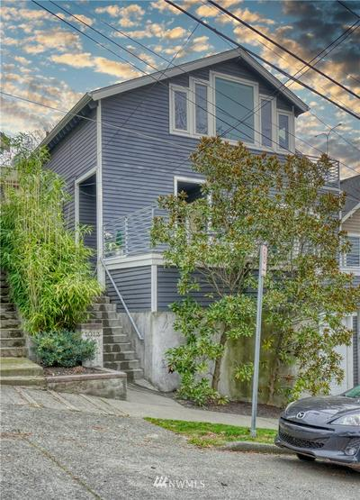 1912 FRANKLIN AVE E, Seattle, WA 98102 - Photo 1