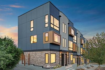 2306 W NEWTON ST, Seattle, WA 98199 - Photo 2