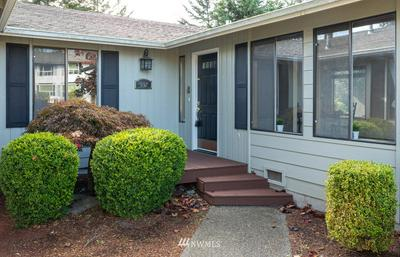 537 NW COLUMBIA DR, Oak Harbor, WA 98277 - Photo 2