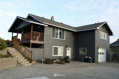 21 ORCHARD LOOP, Tonasket, WA 98855 - Photo 2
