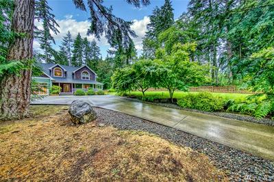 13755 SUNRISE DR NE, Bainbridge Island, WA 98110 - Photo 2