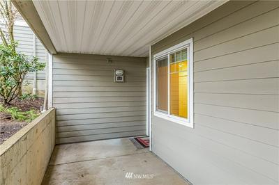 18501 SE NEWPORT WAY, Issaquah, WA 98027 - Photo 2