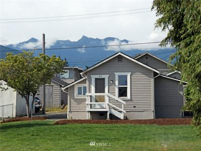 810 W 7TH ST, Port Angeles, WA 98363 - Photo 1