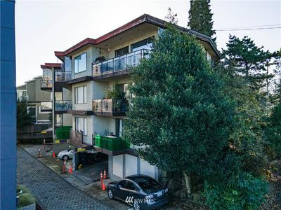 2000 CALIFORNIA AVE SW, Seattle, WA 98116 - Photo 1