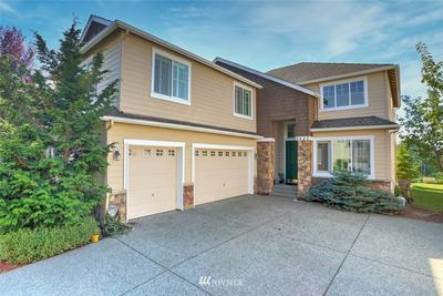 6427 W CREST VIEW LOOP SE, Snoqualmie, WA 98065 - Photo 1