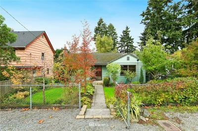 11529 PALATINE AVE N, Seattle, WA 98133 - Photo 1