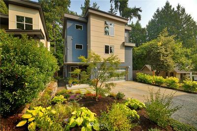 3212 NE 117TH ST, Seattle, WA 98125 - Photo 1
