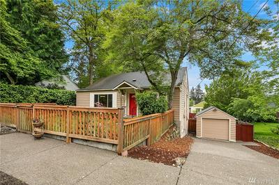 14319 36TH AVE NE, Seattle, WA 98125 - Photo 2