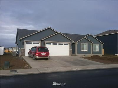 407 R ST SW, Quincy, WA 98848 - Photo 2