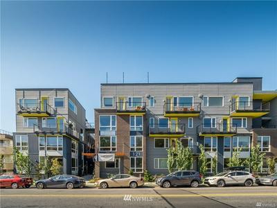 121 12TH AVE E, Seattle, WA 98102 - Photo 1