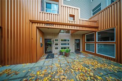 4020 AURORA AVE N APT 210, Seattle, WA 98103 - Photo 2