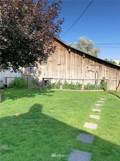 306 N LEWIS ST, Kittitas, WA 98934 - Photo 2