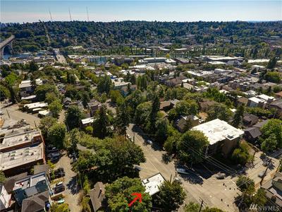 3844 FREMONT AVE N, Seattle, WA 98103 - Photo 2