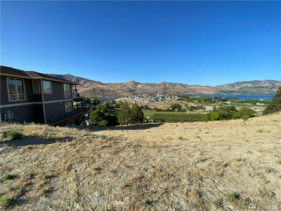 108 HILLCREST PL, Chelan, WA 98816 - Photo 2