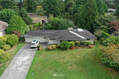3018 HUNTS POINT CIR, Hunts Point, WA 98004 - Photo 2