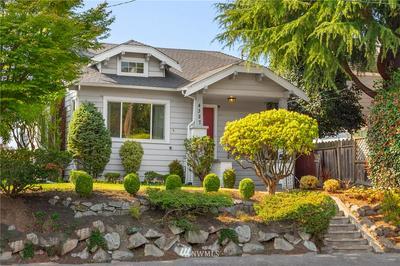 4327 WALLINGFORD AVE N, Seattle, WA 98103 - Photo 2