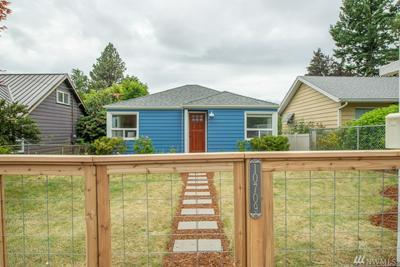 10709 INTERLAKE AVE N, Seattle, WA 98133 - Photo 1
