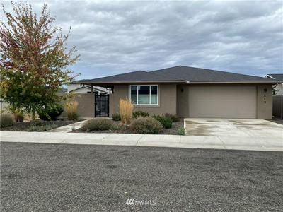 213 E COUNTRY SIDE AVE, Ellensburg, WA 98926 - Photo 1