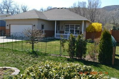 416 JUNIPER ST, Oroville, WA 98844 - Photo 2