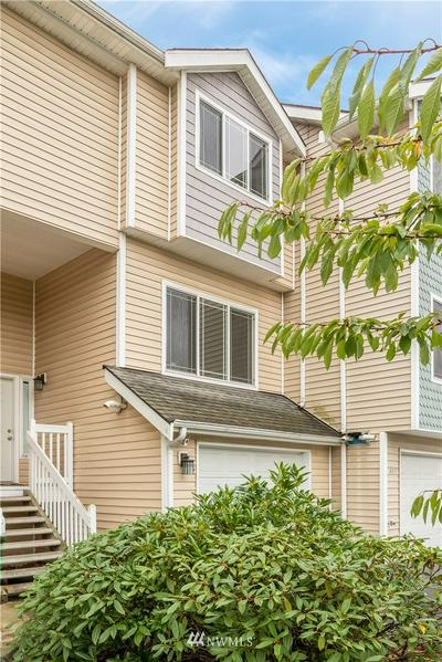 225 SW 110TH ST # 5, Seattle, WA 98146 - Photo 1